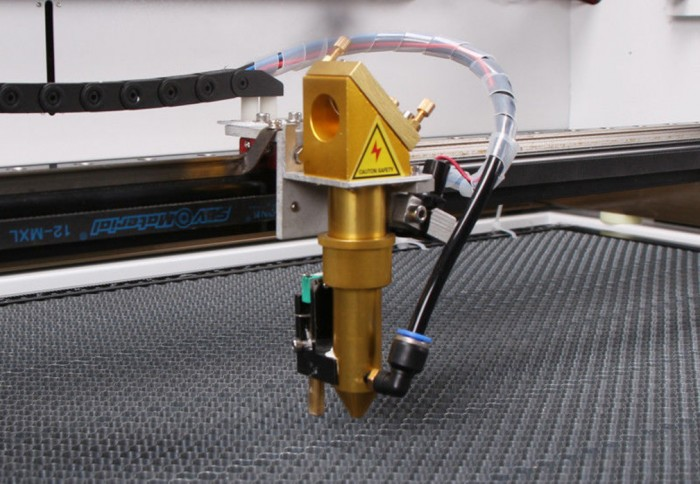 Sierra ModellSport - Masina CNC de taiat si gravat cu LASER DSP CO2 100W 1000x600 mm